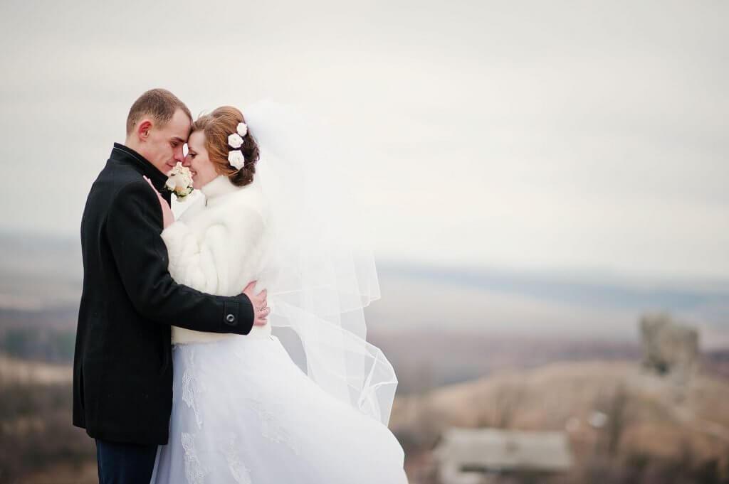 Winter wedding bride and groom