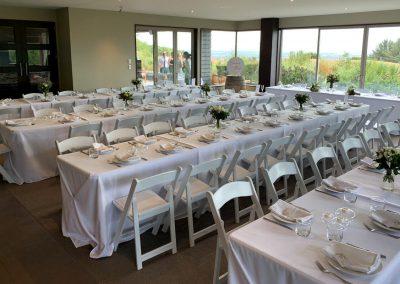 Wedding dinner table arrangement